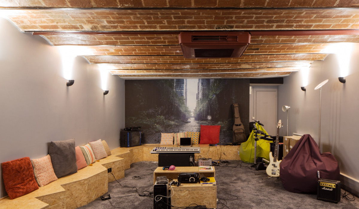 ban-architecture-renovation-amenagement-bureaux-startup-la-ruche-qui-dit-oui-pro-local-professionnel-5.jpg