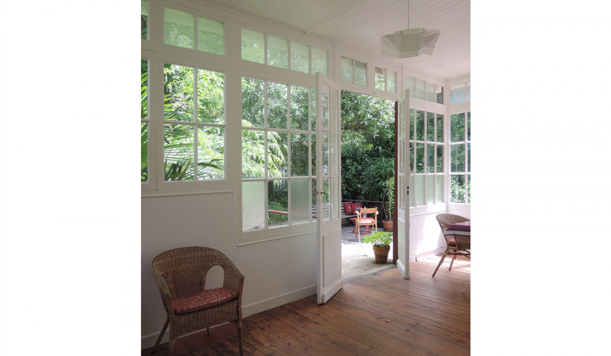 B.Chounet-architecte - arcachon-veranda-bois-parquet pitchpin-rotin.jpg