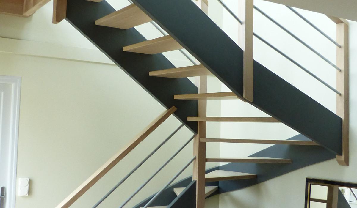 01_Escalier bois.JPG