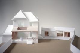 Extension d'une villa de bord de mer et aménagement d'une dépendance