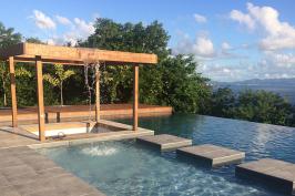 Piscine à débordement - Martinique