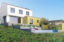 Construction d'une maison individuelle neuve avec piscine et pool-house