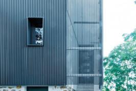 Construction d'un immeuble de logements à partir d'une maison individuelle