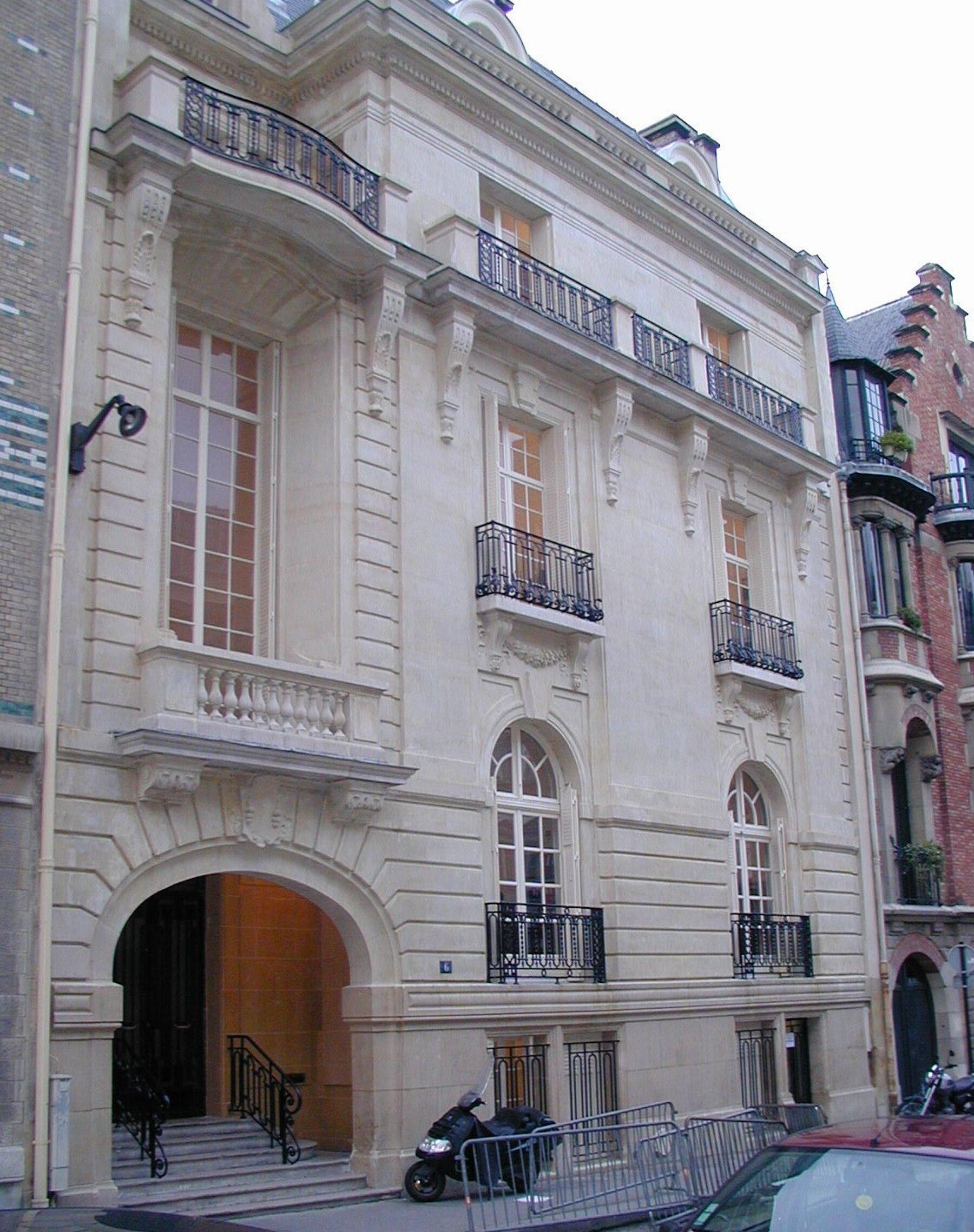 Rue de Lota