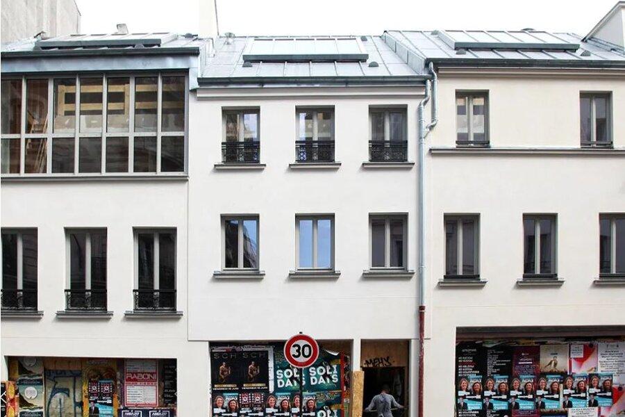 Projet REHABILITATION LOURDE DE 3 IMMEUBLES, rue de Ménilmontant, 20e Paris: Surélévation de 3 immeubles d'habitation avec création de 18 logements et 3 commerces mise aux normes Sécurité' Incendie et P.M. réalisé par un architecte Archidvisor