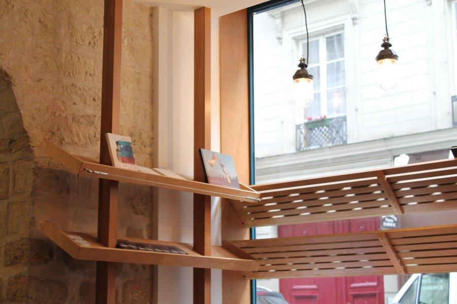 Projet Projet de Création de mobilier sur mesure et Travaux de Renovation pour une nouvelle Maison d'Editions réalisé par un architecte Archidvisor