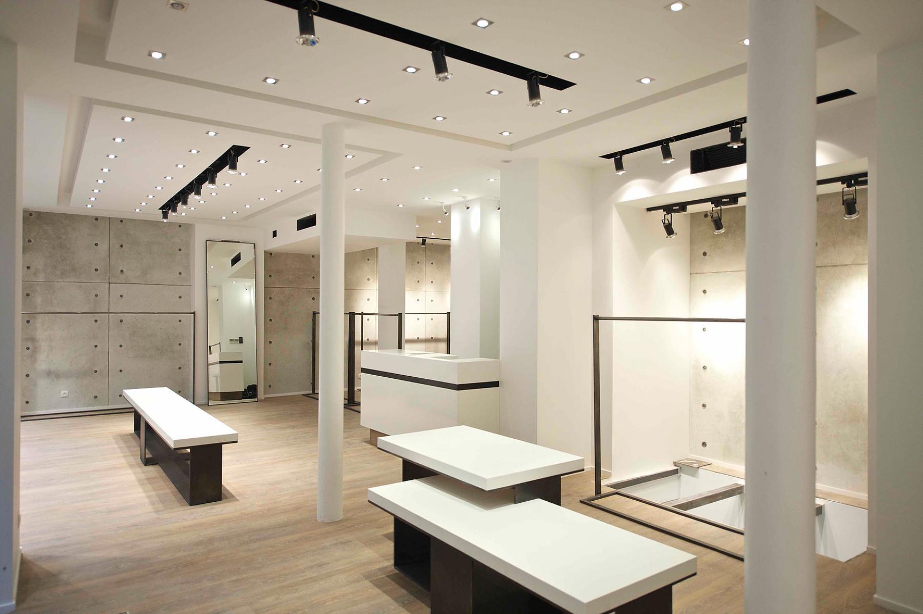 construction neuve paris cr ation de la boutique. Black Bedroom Furniture Sets. Home Design Ideas